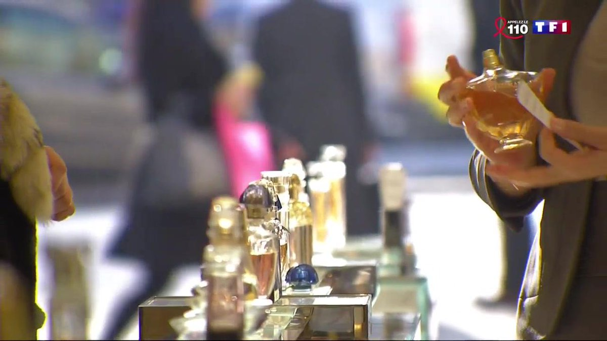 Le parfum, nouvel accessoire de mode ? https://t.co/n3UKGBWRFH