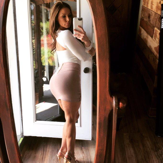 2 pic. #SexySaturday #Selfie 💋 #LustArmy https://t.co/et18B0Yd0t