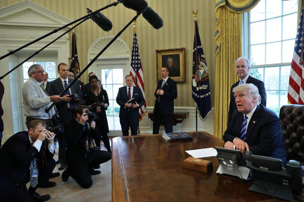 L'échec sur l'Obamacare pointe «l'incompétence» de Donald Trump, selon la presse https://t.co/gVrnfhx4QW
