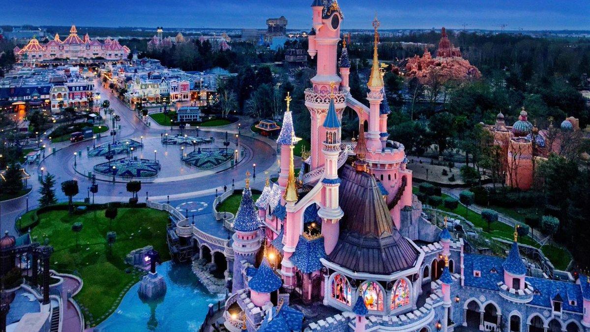 #DisneylandParis25 Découvrez tous les secrets du parc 👏👏👏 ➡️  https://t.co/iUFxkQrTFL