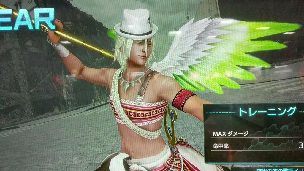 シュリさん誕生日おめでとうございます(*´ω`*)♪頭だけ帽子にして背中に大鷲の翼、誕生日衣装にしました٩(*´◒`*)