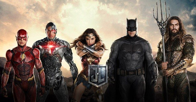 Watch the brand new trailer for JusticeLeague https://t.co/v214tJ25g4