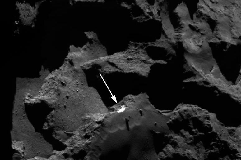 Comet 67P gives up more of its secrets: Nasa spots a landslide on Churyumov–Gerasimenko https://t.co/pVgkzGWpHm