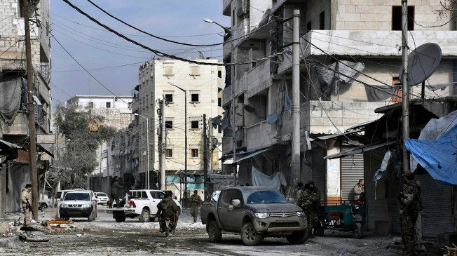 Airstrikes across rebel-held Syria kill and wound scores of people https://t.co/ail7E7OEv4