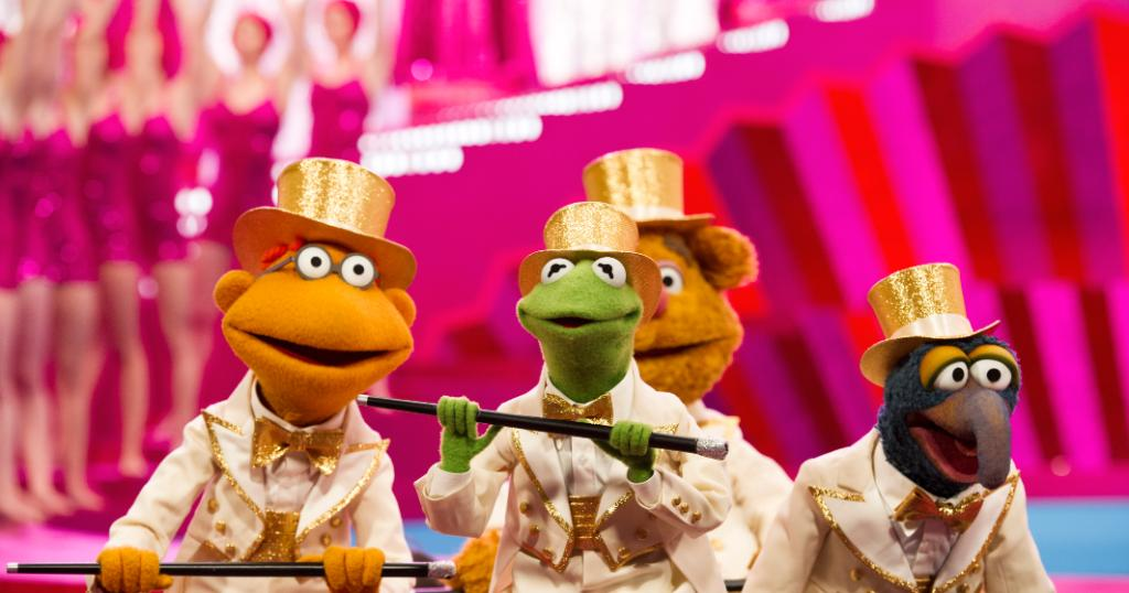 RT @TheMuppets: If your weekend plans don't include gold tuxedos... why not? https://t.co/wv8X27tcdK