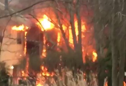 Blaze burns homes in Burlington County (VIDEO) https://t.co/9B62CxjJ0D