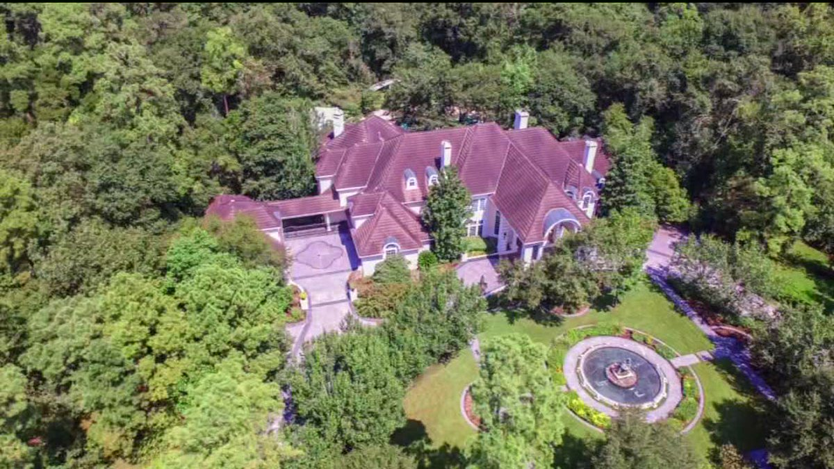 The Woodlands' Blair Mansion set to hit the auction block. #ABC13 https://t.co/DbdBOedz41