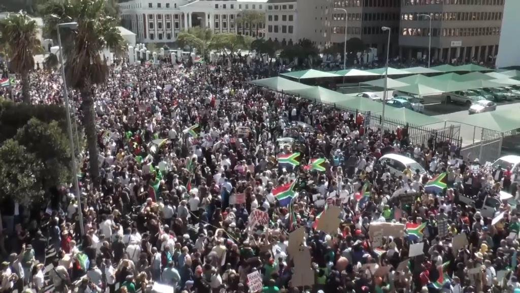 EYE ON AFRICA - Protests across South Africa: thousands march to demand Zuma's resignation