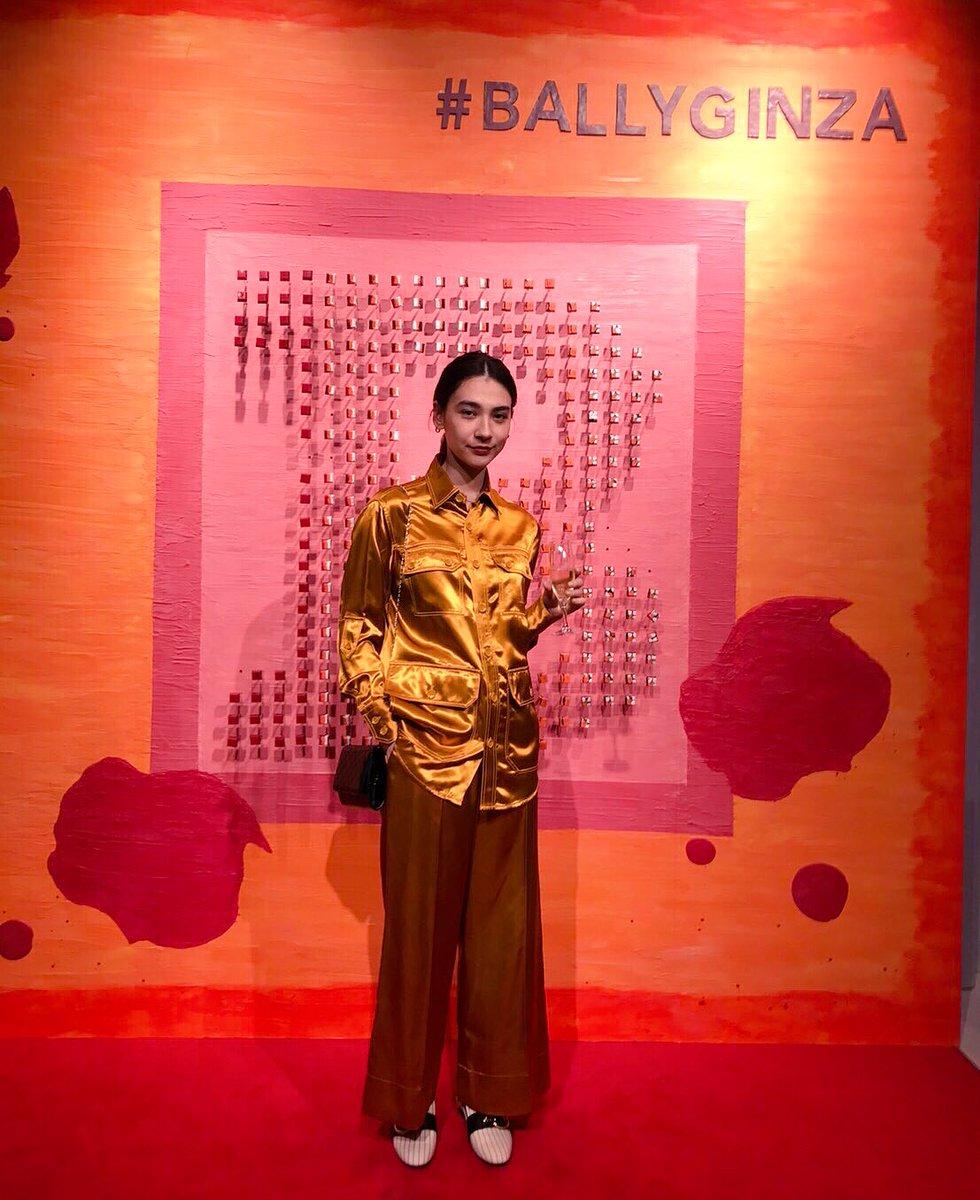 RT @MiyukiEmond: #BALLYGINZA 1st anniversary party🌈🥂💋❤️ 全身BALLYで…💃🏻👠🎉 https://t.co/NOJbKUzeVB