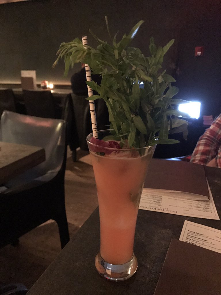 Tonight I had my first quail egg cocktail https://t.co/ok5dXAUXXv