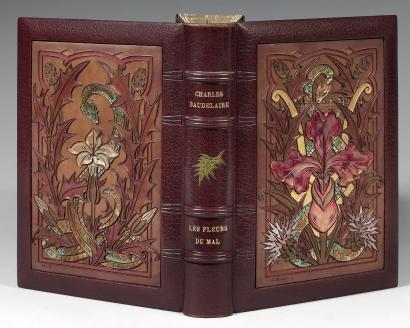 ボードレールの「悪の華」に #ルリユール をほどこした本です。モロッコ革装。