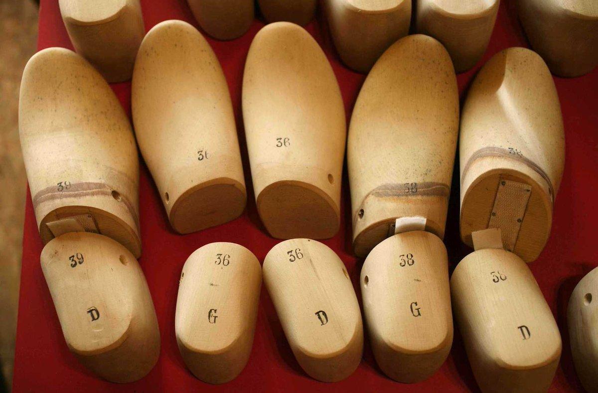Un Italien veut vendre des chaussures en or massif >> https://t.co/pqEakNnVM4