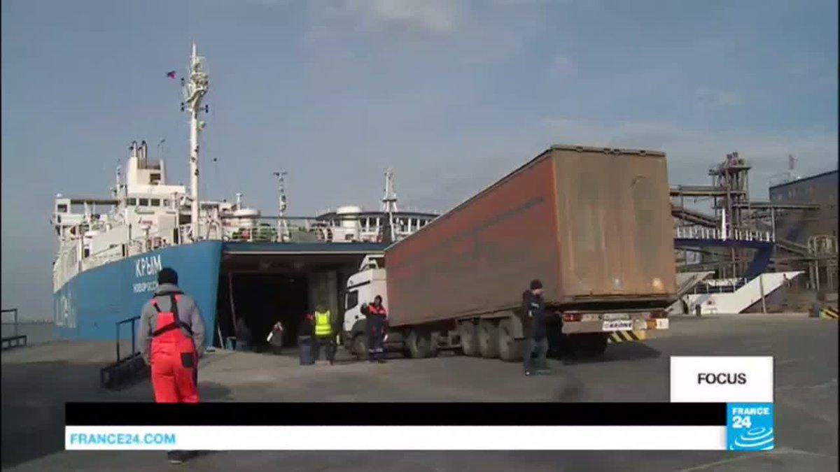 VIDEO -  Crimea: Russia building bridge to reach peninsula by road