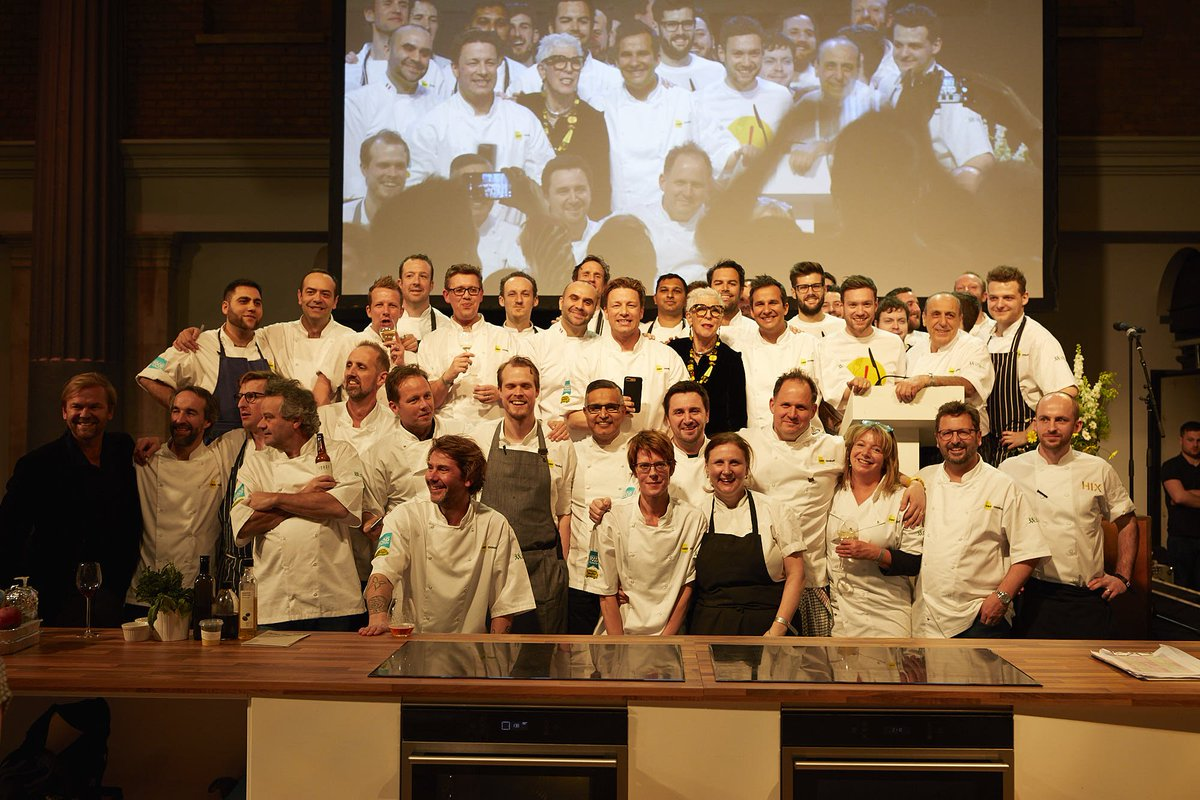 Thank you @LondonLinen for providing the chef whites for the #UKCEOCookOff they looked brilliant! https://t.co/71XqwBLdai