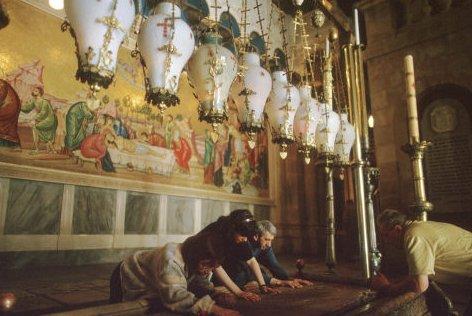 Ils restaurent le Saint-Sépulcre, un phénomène inexplicable arrive >> https://t.co/MHQW3VqCy2