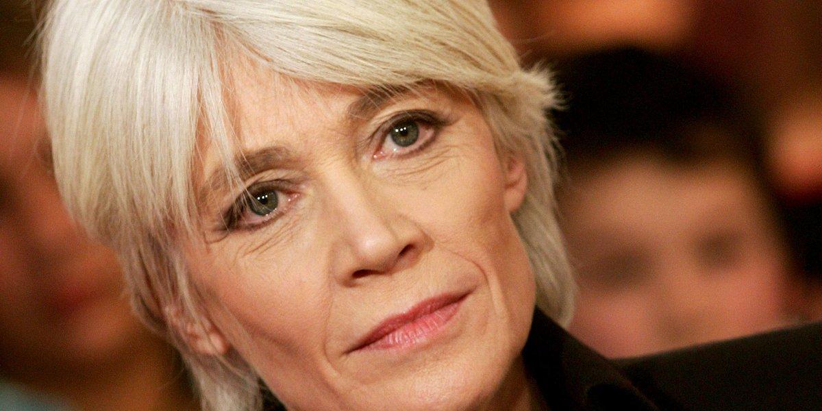 VIDÉO Françoise Hardy se confie sur ses relations «sadomasos» https://t.co/kD4jl3ki4R