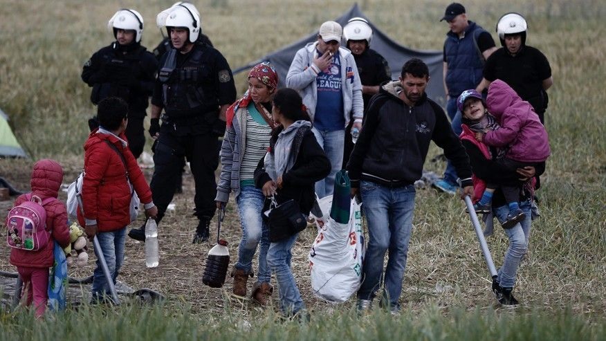 Syrian man, 25, found hanged in Greece with political asylum papers still on him  https://t.co/QLX4CCFxm9 #FOXNewsWorld