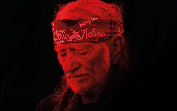 """Willie Nelson ruminates on life and death and what it means to be an """"Old Timer""""  https://t.co/lnq94Y6gxY"""
