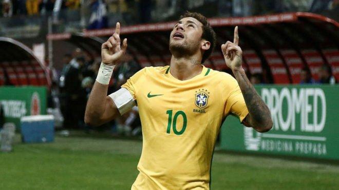 'Es una gran felicidad haber rescatado al aficionado brasileño', afirma @neymarjr https://t.co/lWMZncHr18