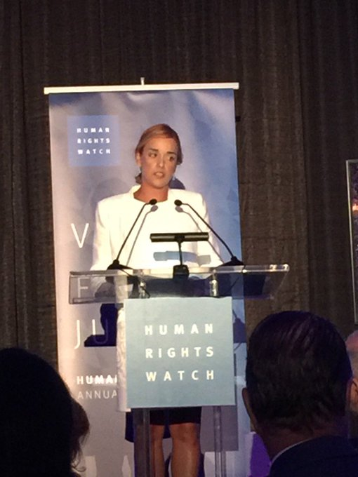 Honoring Lilian Tintori, wife of  Venezuelan political prisoner Leopoldo Lopez, at @HRW inaugural dinner in Miami.