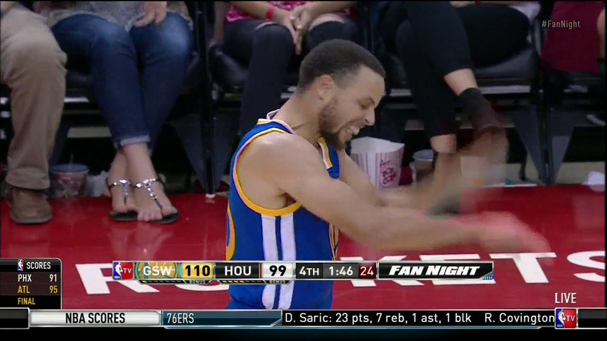 STEPH FROM DEEP! 💦@warriors lead 110-99 with 146 to go! #FanNight