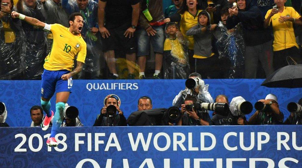 Así fue la noche loca de Neymar: gol, penalti fallado... ¡y la celebración del francotirador! ▶ https://t.co/Ru31eSZd0d #Rusia2018