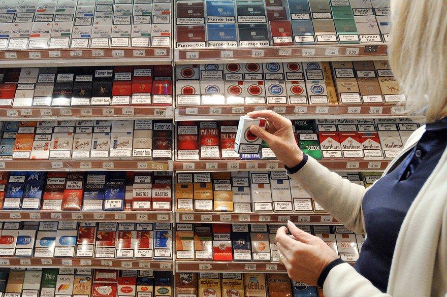 #Tabac : les buralistes vont lancer leur propre marque de cigarettes, le professeur Bertrand Dautzenberg invité de #RTLMatin à 8h20 !