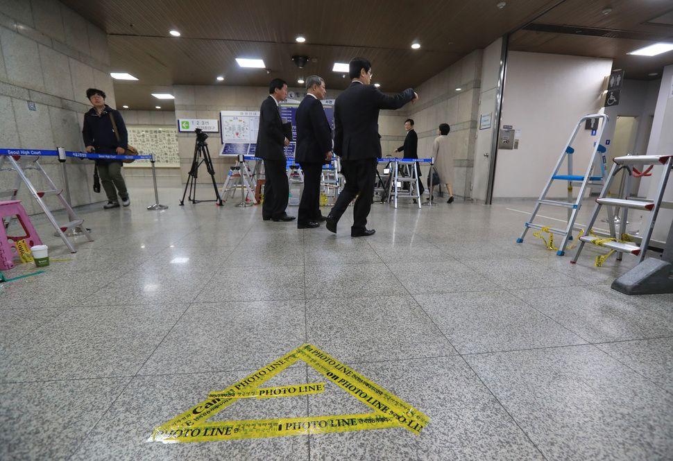 """[단독] 박 전 대통령, 법원에 """"포토라인 안서게 해달라"""" https://t.co/MSpKKxjgKv"""