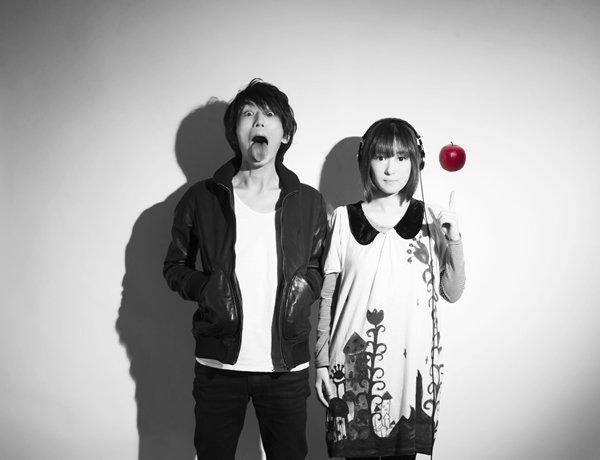 欅坂「エキセントリック」作曲ナスカ、しゃれたアー写にびびりつつ聴いてみたが同じ曲(?)でも編曲?によって違うもんだなあノ