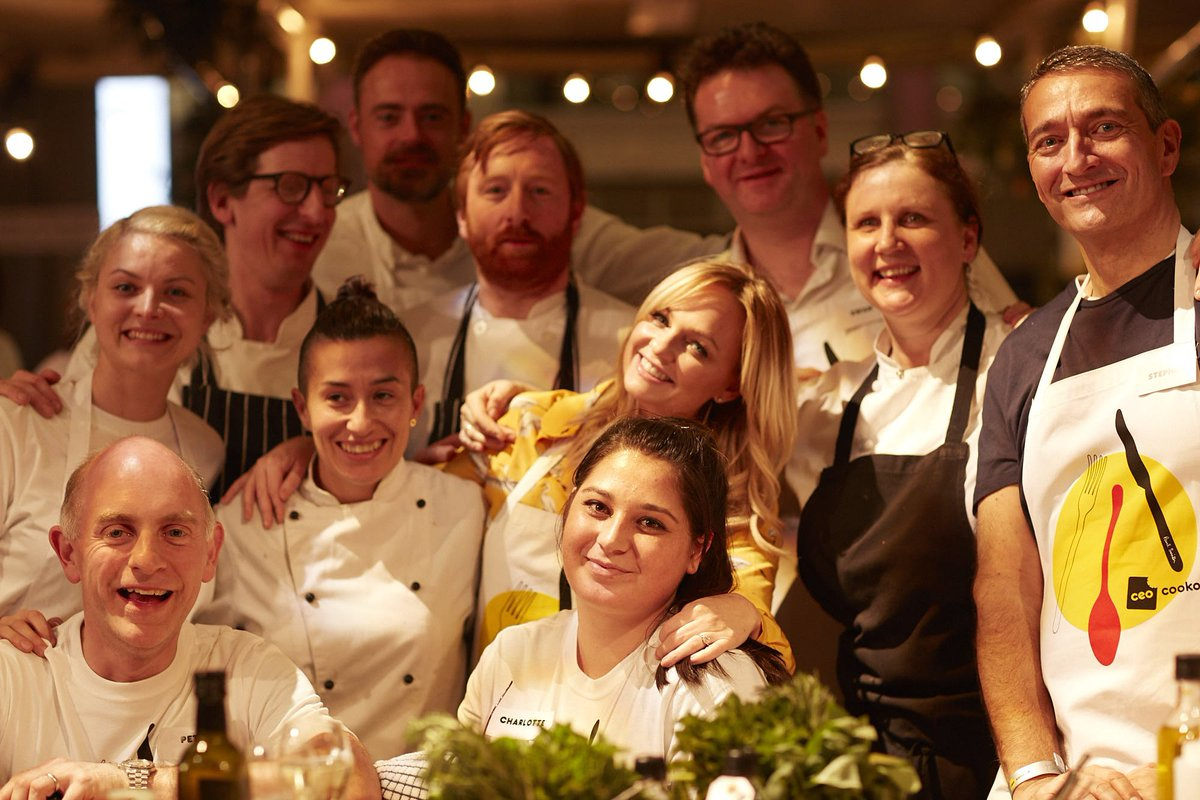 Shout out to @fortnums for supporting the #UKCEOCookOff and @EwanVenters of course! great pic of the gang here x xJO https://t.co/sJOHGTywQi
