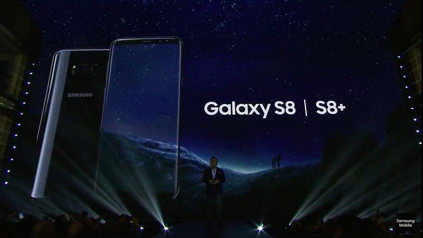 「Galaxy S8/S8+」発表されました。5.8インチ/6.2インチの「インフィニティディスプレイ」です(画像はYouTubeライブストリーミングから)