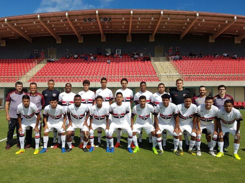 São Paulo vence e encaminha vaga na Copa Ouro Sub-20 #MadeInCotia