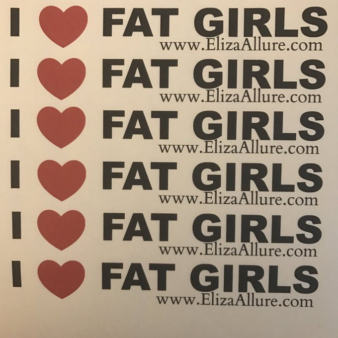 1 pic. I volunteered to be @ElizaAllure 's sticker slave #allurearmy #BBW #exxxoticadenver2017 👯✂️ https://t