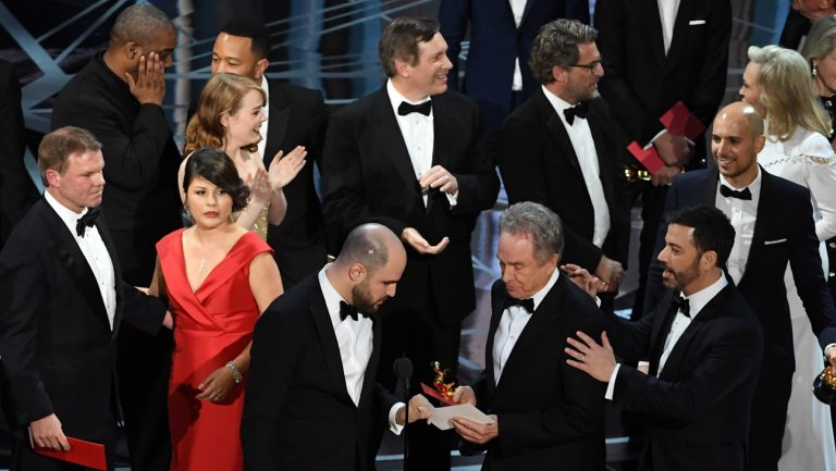 Academy retains accounting firm despite Oscars fiasco