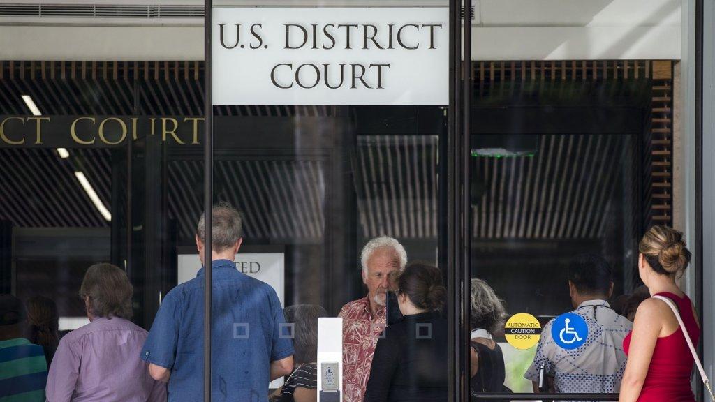 Hawaii judge extends order blocking Trump immigration ban