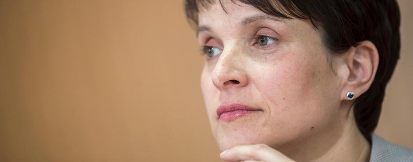 RT @tagesspiegel: Frauke Petry erwägt Rückzug aus der Politik. #AfD https://t.co/sgSQxUwUru https://t.co/f71xNofvQw