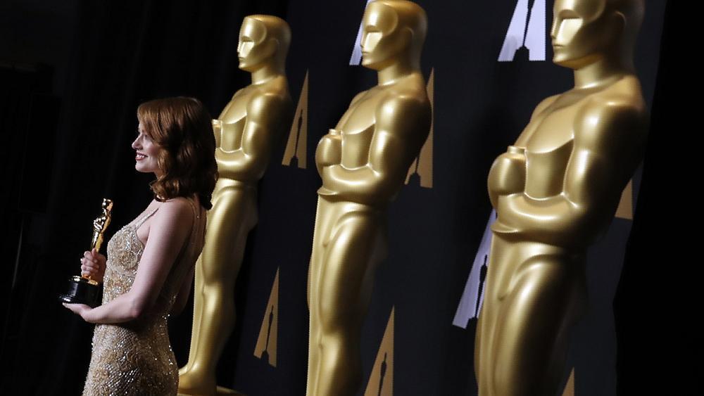 Backstage cellphone ban at Oscars after massive blunder