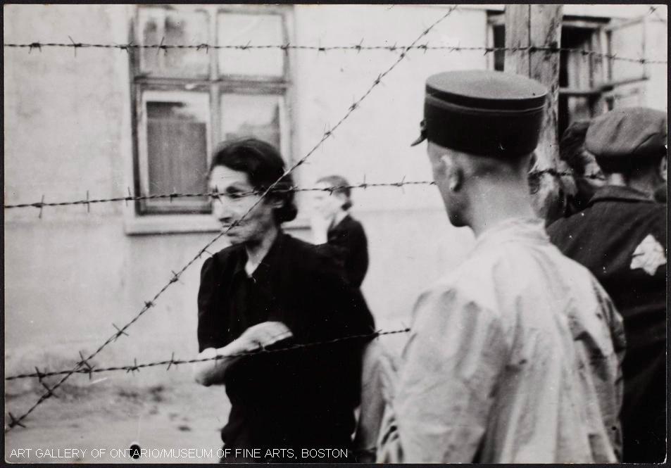 密かに撮られたポーランドのユダヤ人ゲットー【写真】 第2次世界大戦中、ユダヤ人写真家のヘンリク・ロスが、自身もゲットーに収容されながら命がけで撮影した写真。