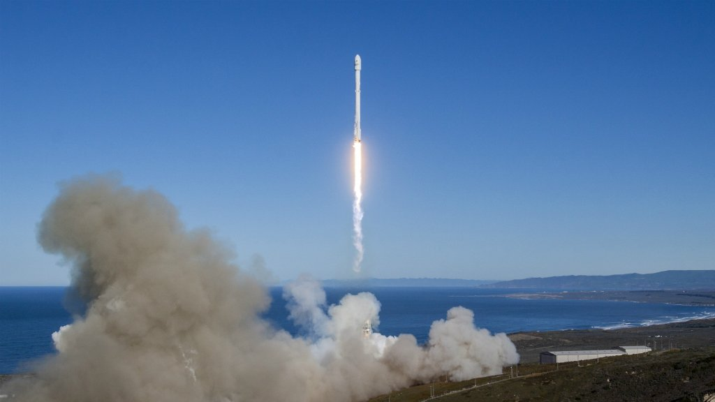 SpaceX re-launches used rocket for first time