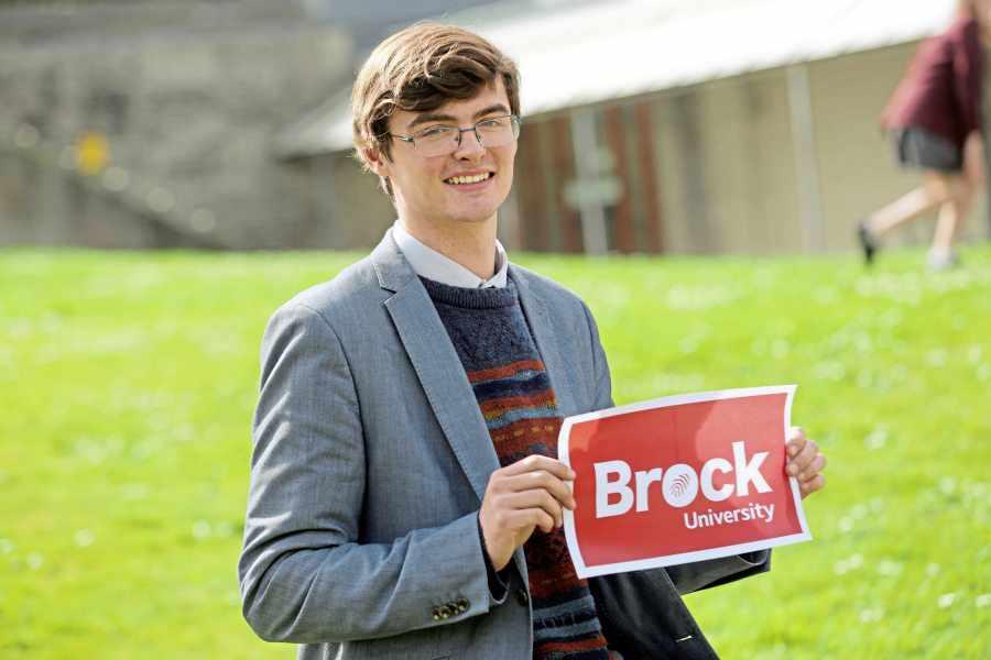 Art student is awarded scholarship to Brock University « Guernsey Press