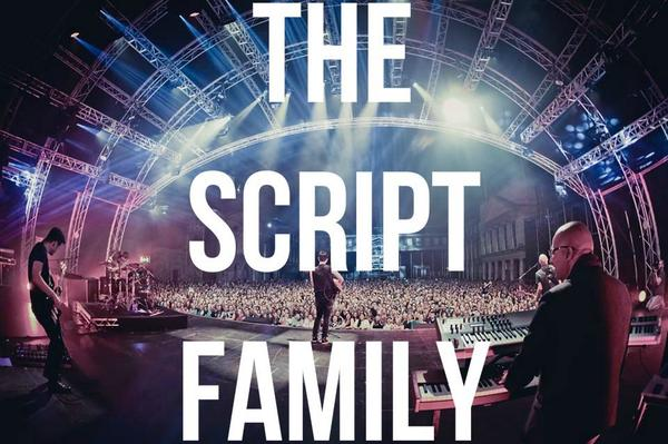 Big love to you guys #TheScriptFamily https://t.co/ol44k3sNMf
