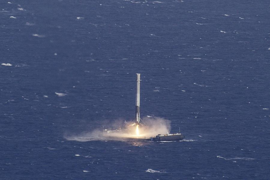 Watch SpaceX land its first ever recycled rocket