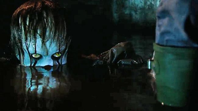 Viene de Noche (2017) Terror psicológico. Latino-Inglés.