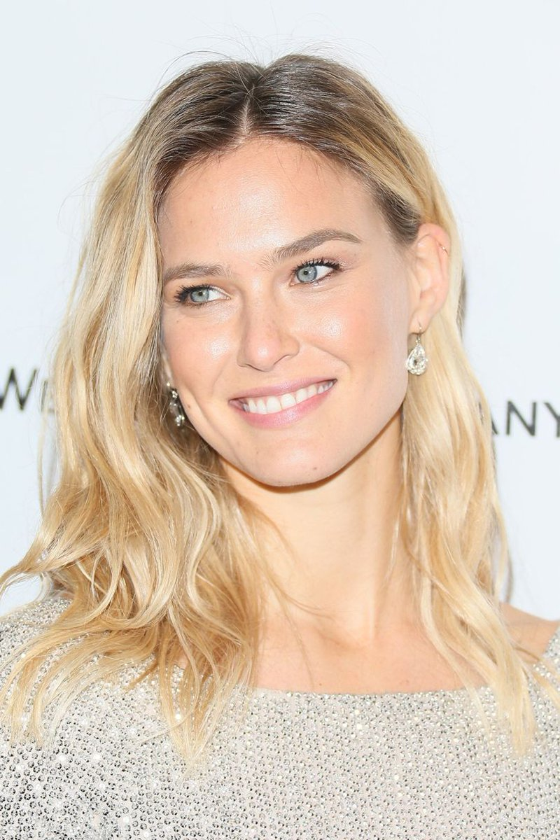 RT @BritishVogue: Congratulations to @BarRefaeli! https://t.co/aMjwSLtezI https://t.co/gi9fRu8vob