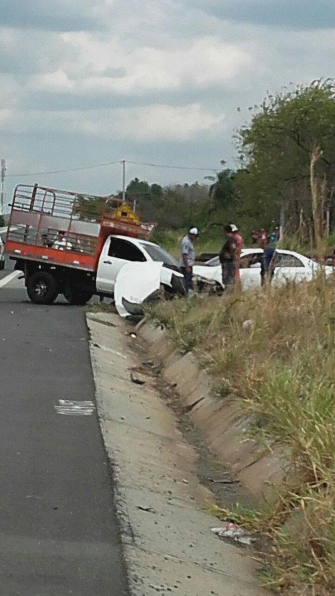 Accidente de tránsito en la entrada la fragua en veraguas. un herido ...