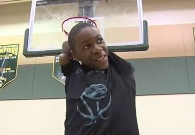 Video: Armless basketball player, 13, wins game with last second shot