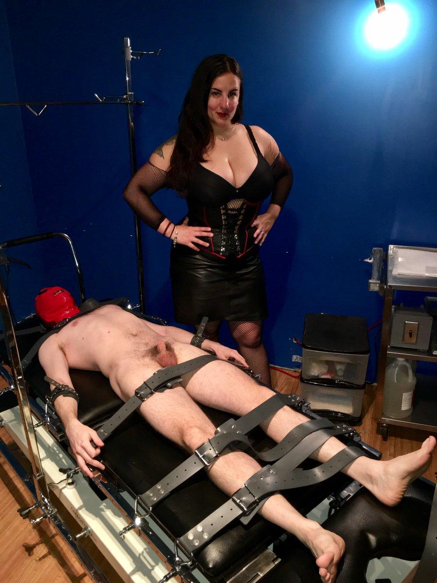 #Bondage + #tickling fun at #femdomme #bdsm #dominatrix LhVFS0n8Ul