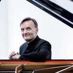 Stephen Hough, polymathic pianist, will return to Seattle bearing Rachmaninov
