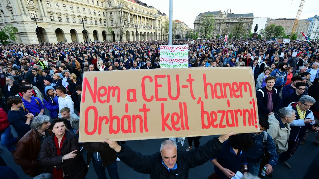 Thousands demonstrate against new Hungarian bill targeting Soros university