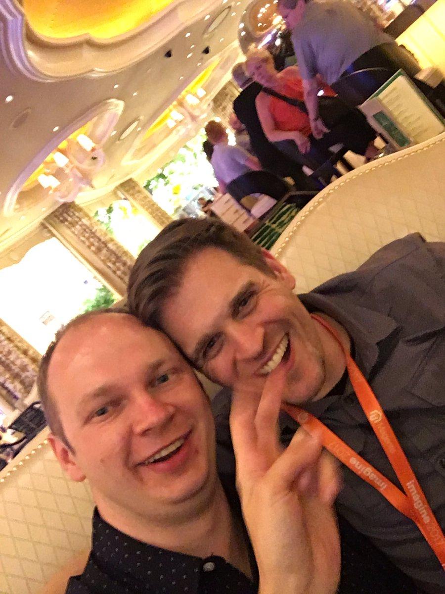max_pronko: 2 friends and random hand at #MagentoImagine https://t.co/48oQDplrqZ